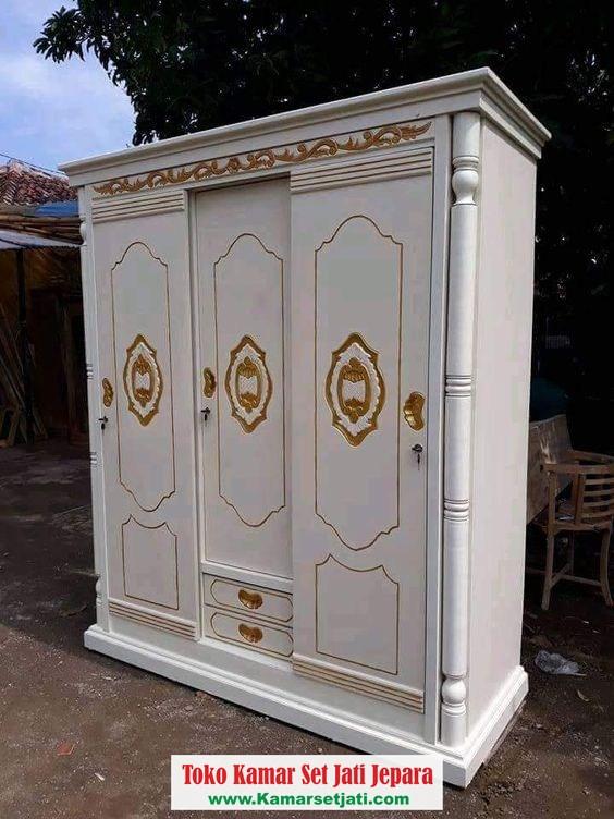 Lemari Pakaian Putih 3 Pintu Kayu