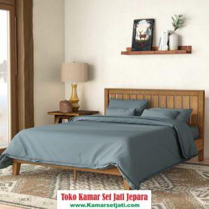 Tempat Tidur Kayu Klasik