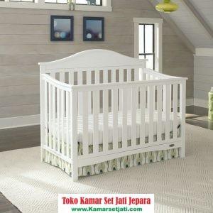 tempat tidur bayi jari jari minimalis